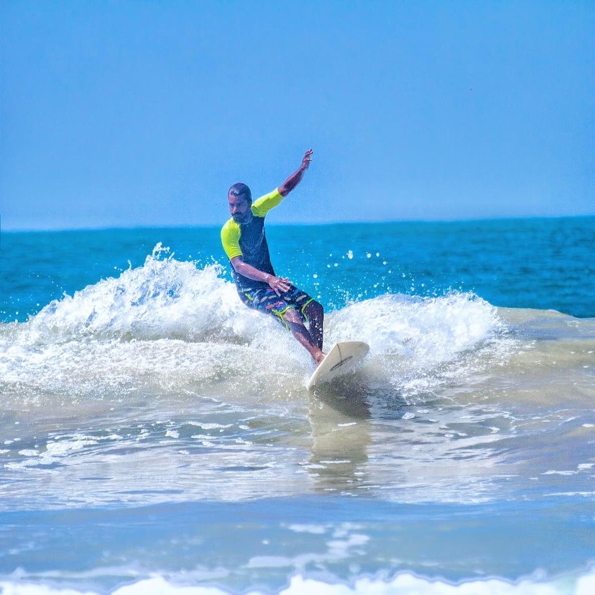 INTERMEDIATE & ADVANCED SURF LESSON