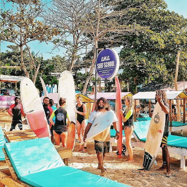 Surfing Weligama Si Lanka
