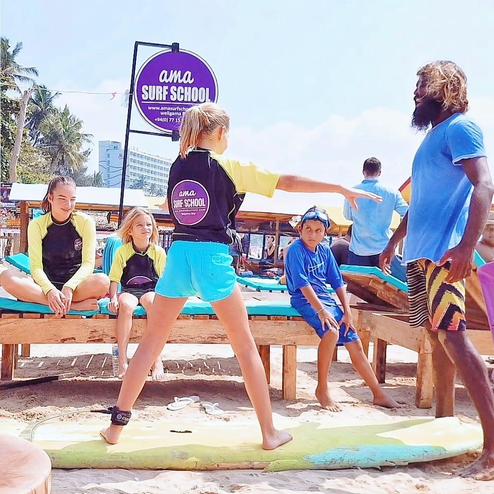 CHILD SURF LESSON