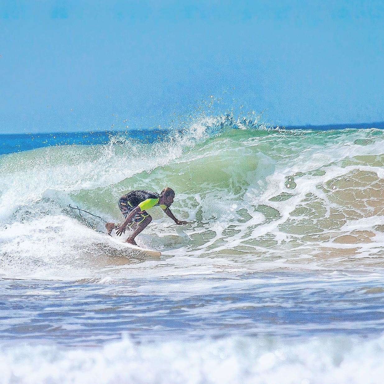 Surfing Weligamasurf surf