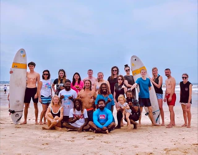 Surfing group Weligama